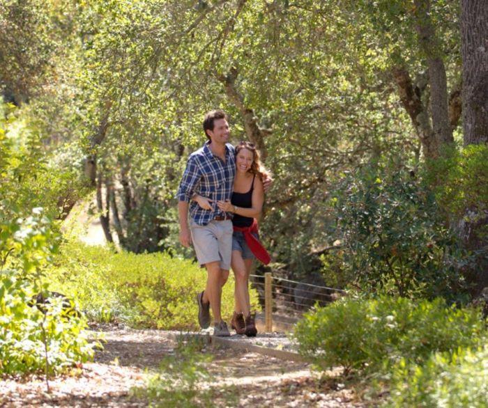 couple hike
