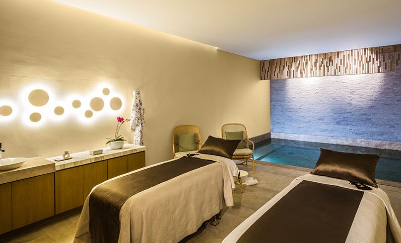 7 ways grand velas los cabos resort ups the all inclusive ante for Affitti cabina cabina resort pinecrest
