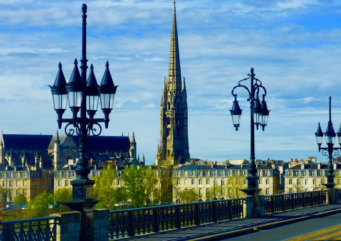 Bordeaux's Sensory Encounters: Notes from a Wine-Inspired River