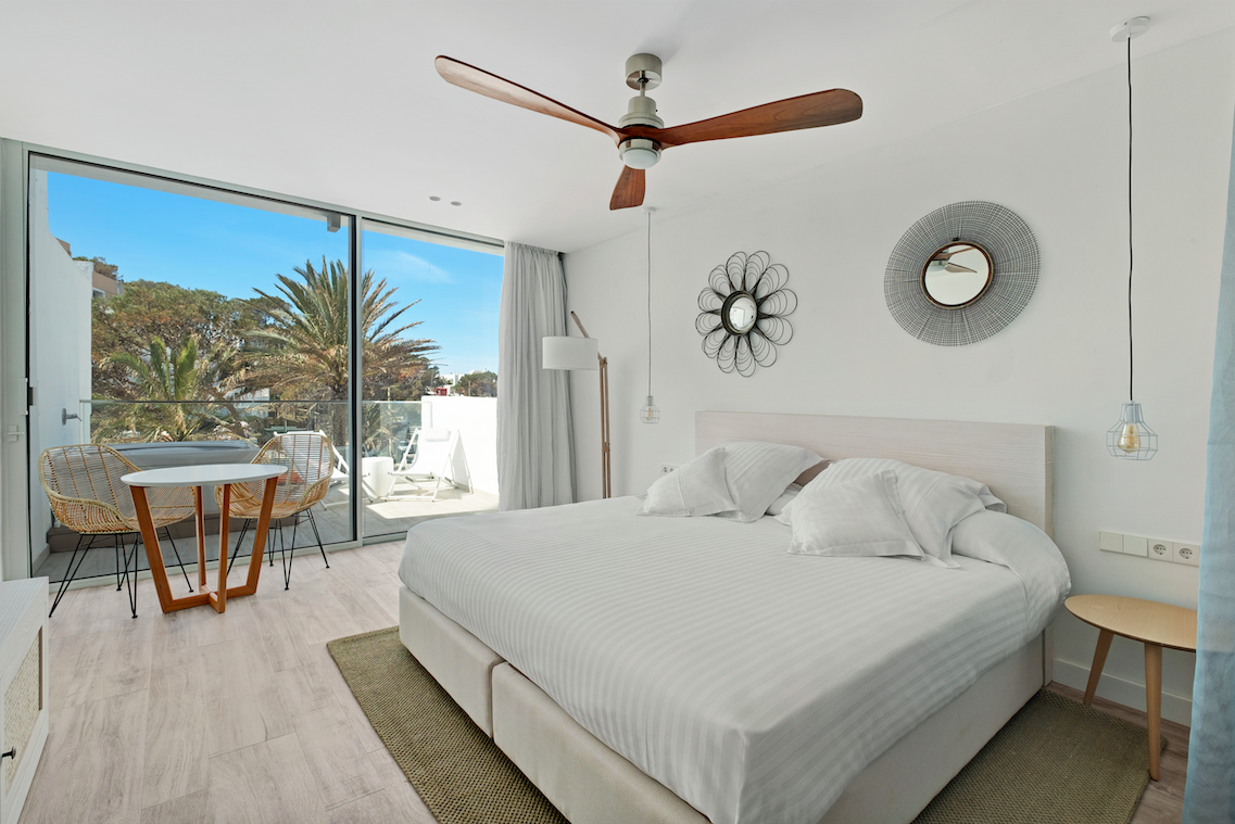 Grown Up Glamour, Ibiza Style: Inside Barcel\'s Portinatx