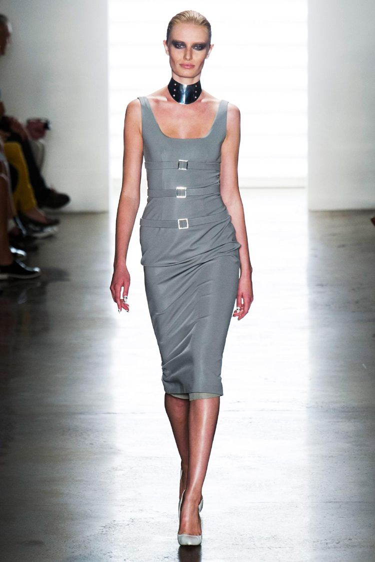 Cushnie Et Ochs RTW Spring 2014: Baring Skin in Dark Colors, Cutouts and Collars