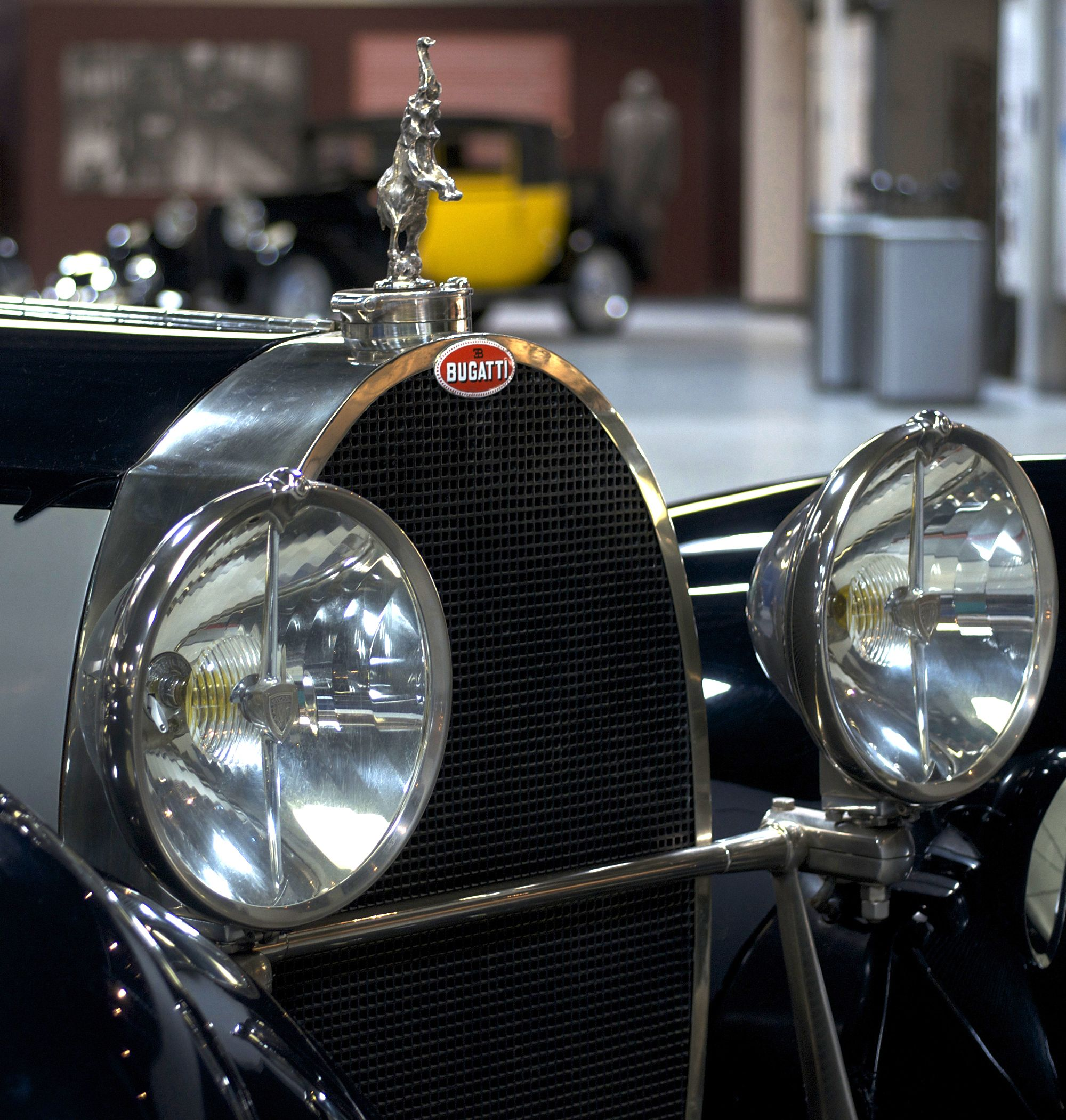 Mullin Automotive Museum, bugatti