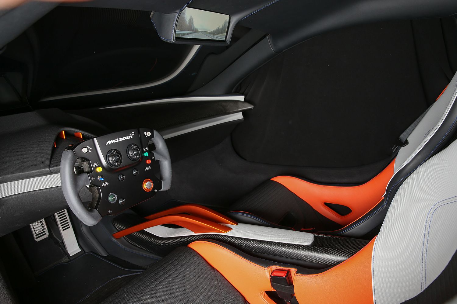 The Mclaren 675lt Jvckenwood Concept Races Into Ces With Video Game