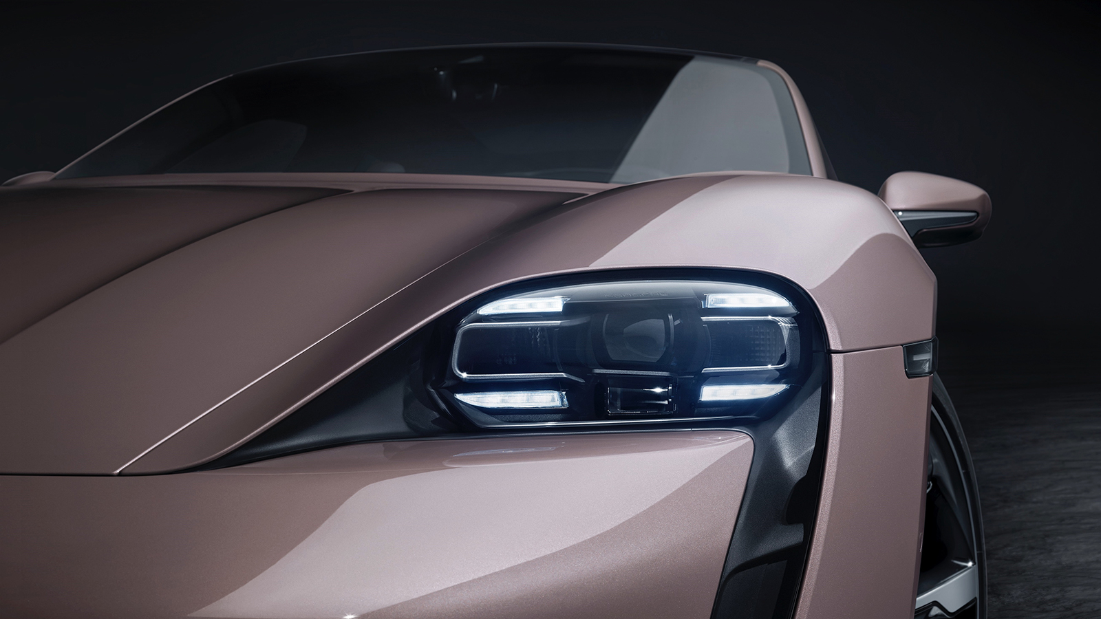 5 Sensible Hybrid and Electric Luxury Cars for 2021