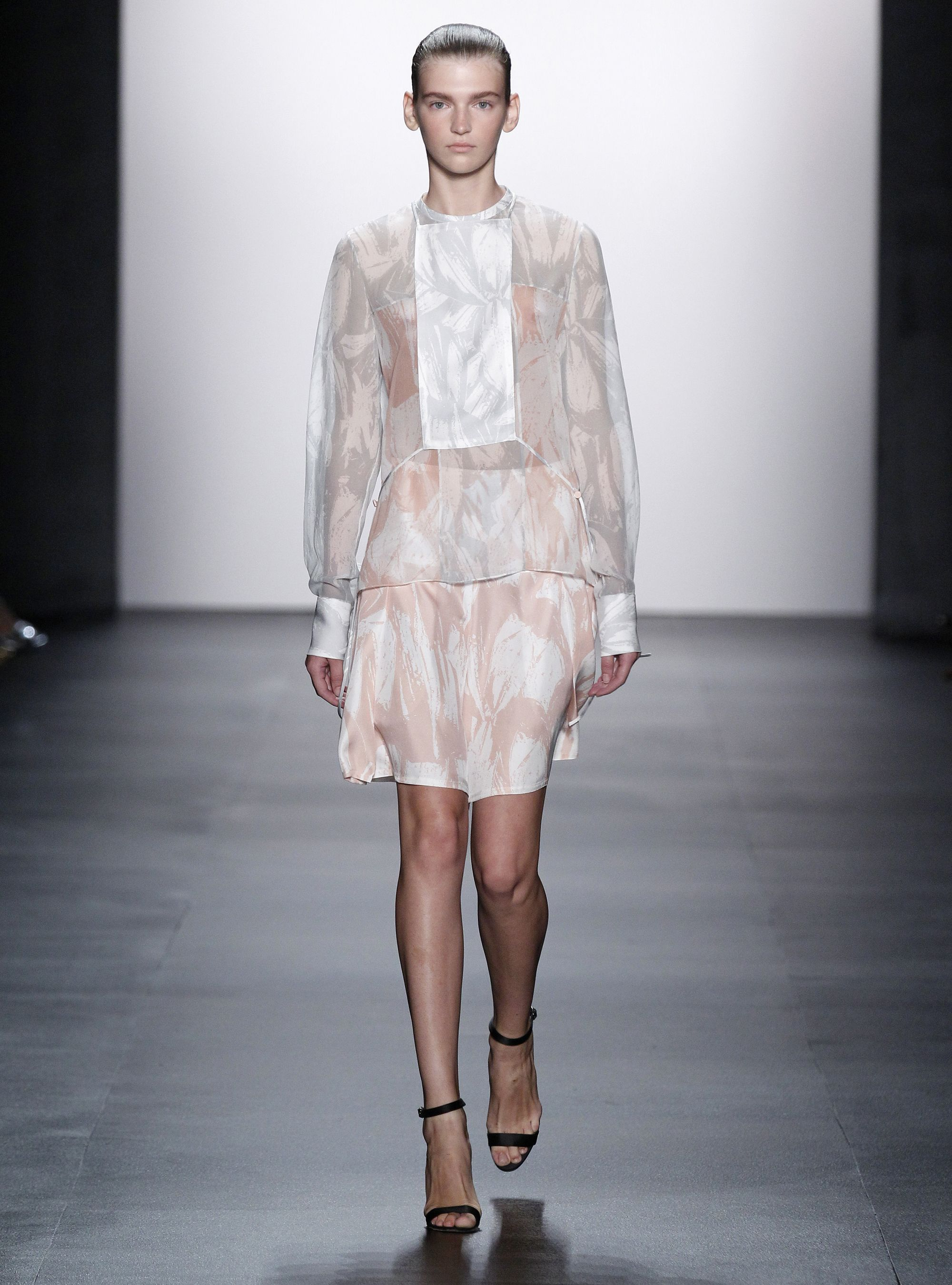 Yigal Azrou L Turns Away From Street Style To Present A More Romantic Ss16 Collection