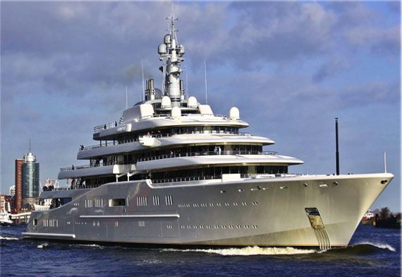 Roman Abramovich Gets World S Largest Yacht For Christmas