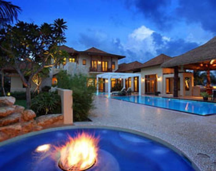 Frank mckinney lists 24 million eco mansion acqua liana for Beautiful homes and great estates pictures