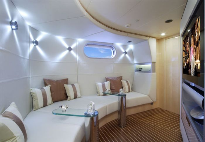 danish yachts teams with bang olufsen on aerocruiser 38 ii. Black Bedroom Furniture Sets. Home Design Ideas