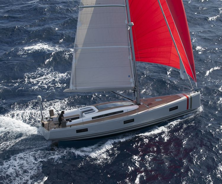aureus xv absolute sailing yacht