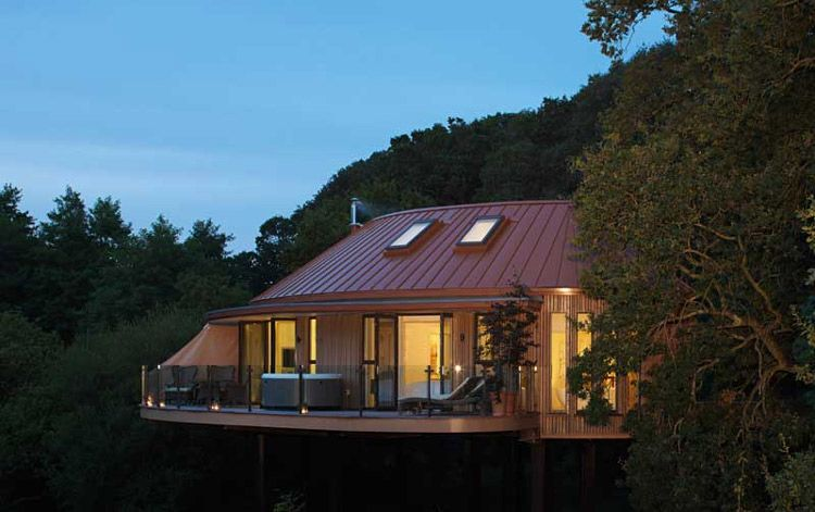 Chewton Glen treehouse suite