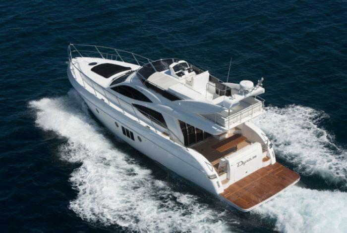 Dyna Yachts 52