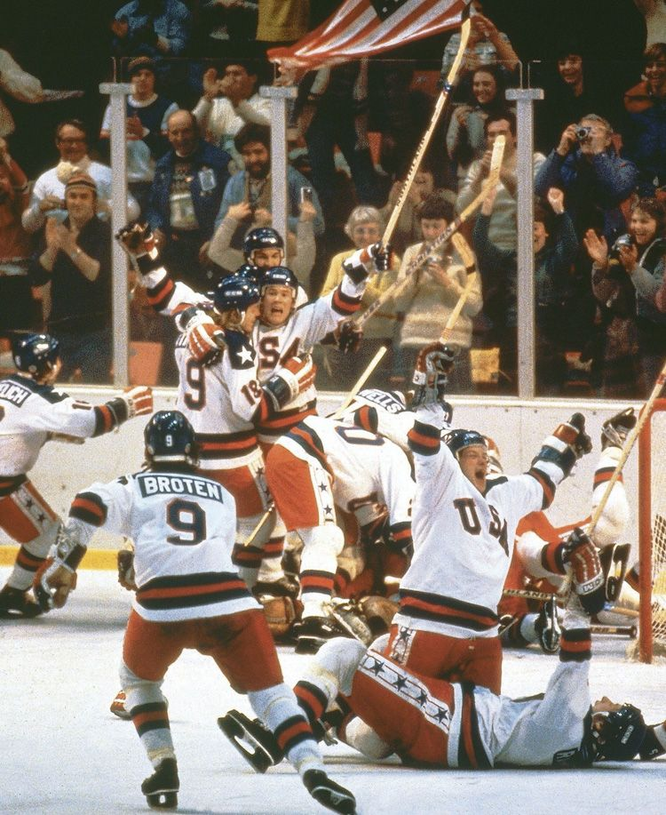 Jersey Amp Stick Of 1980 U S Olympic Captain In Miracle On Ice Sell For 920k