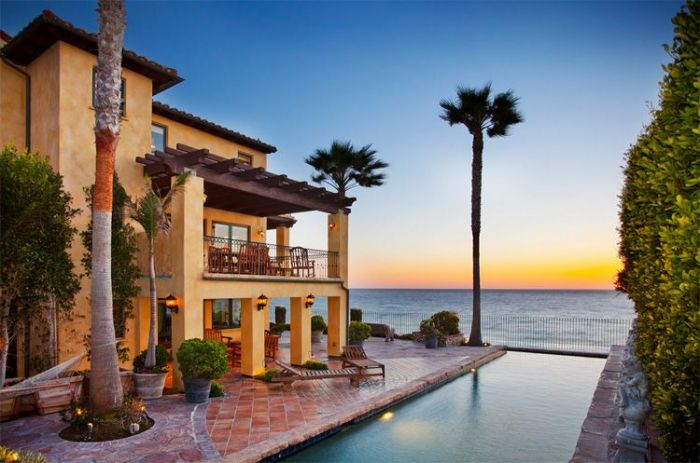 9 los angeles beachfront homes with million dollar price tags for California million dollar homes