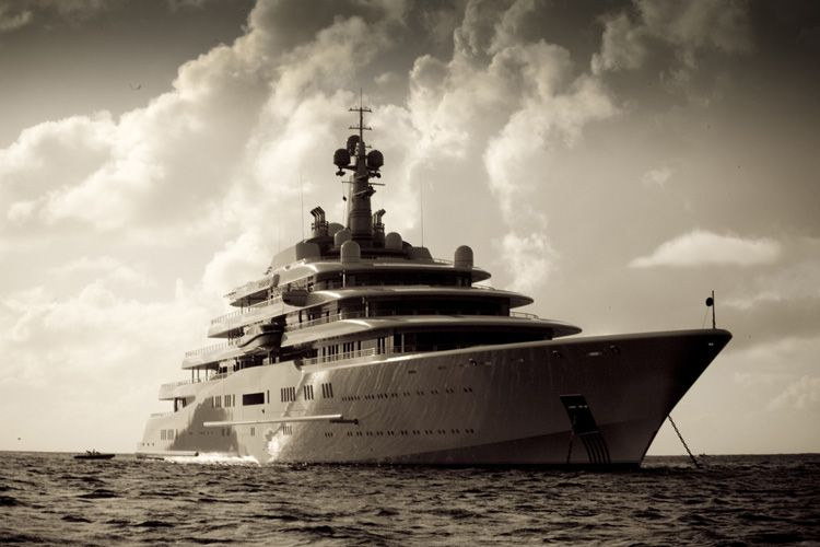 World's Largest Yacht