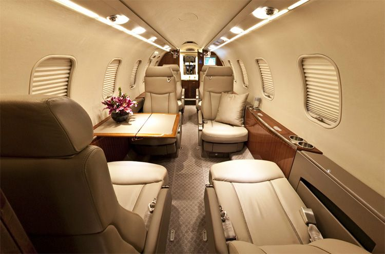 luxury private jet