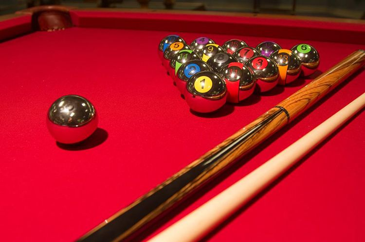 Krōm Premi�re chrome billiard balls