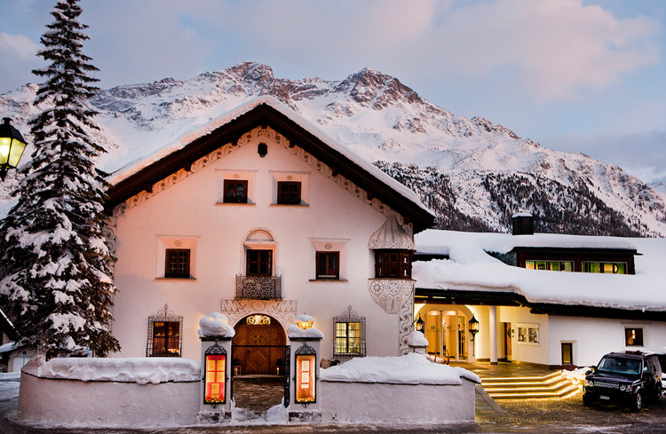 The Enchantingly Swiss Alpine Retreat, Giardino Mountain