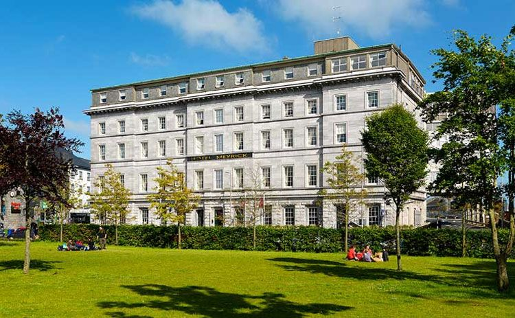 Meyrick Hotel exterior