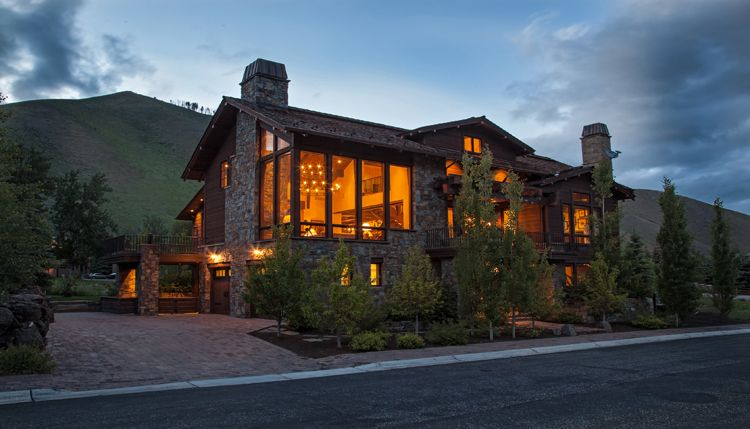 Howard Estate Luxury Mountain Home Up For Auction