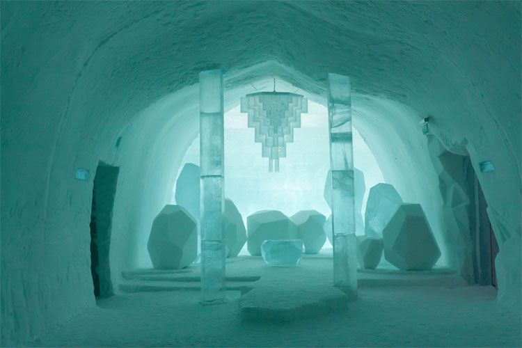sweden 39 s icehotel all the cool kids are doing it. Black Bedroom Furniture Sets. Home Design Ideas