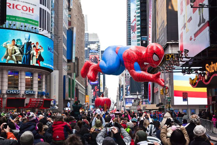 Best New York Hotels To Watch Macy S Thanksgiving Day Parade