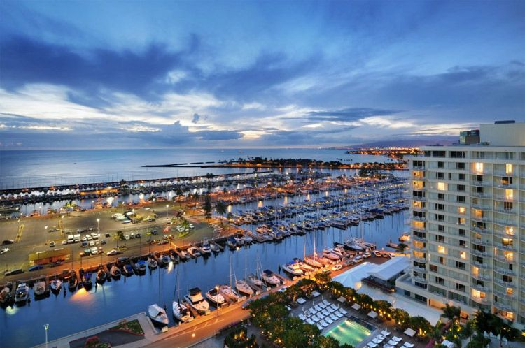 The Modern Honolulu Offers Relaxed Luxury In Waikiki