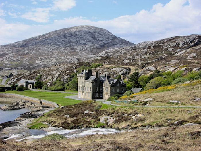 Amhuinnsuidhe Castle Remote Luxury In The Outer Hebrides