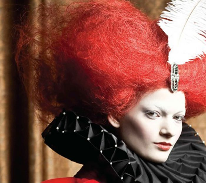 Alice in Wonderland-inspired hair fashion