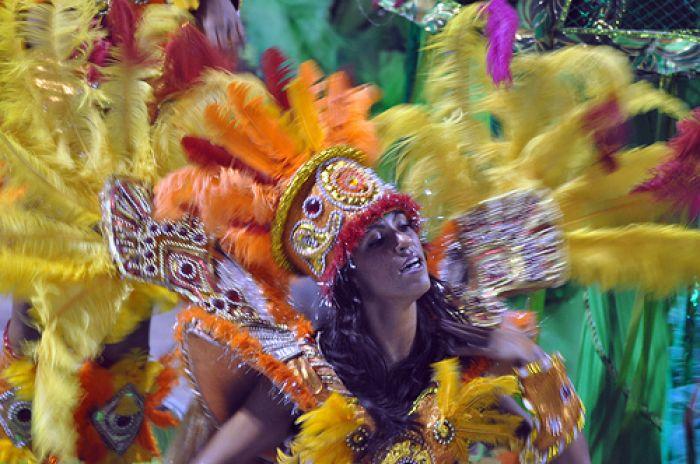 Brazilian Carnival © by Fernando Valgode
