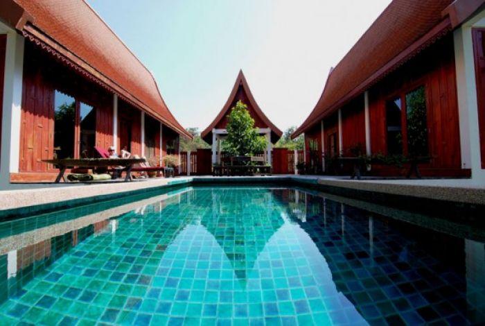 Green Gecko & private pool