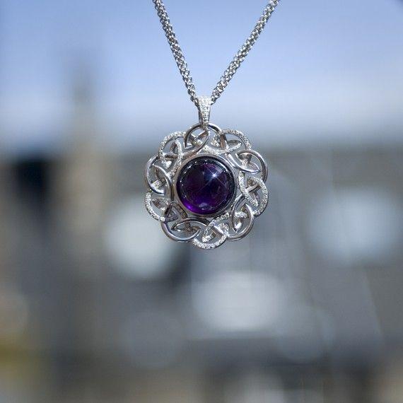 Bespoke jewellery worn by Julie Fowlis