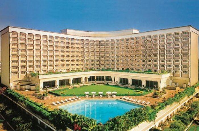 Taj Mahal Hotel Front View