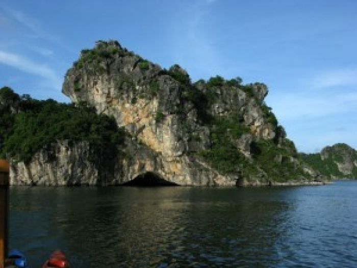 Tien Ong Cave - Halong bay tours
