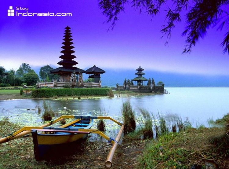 Traveler-Attraction-Indonesia