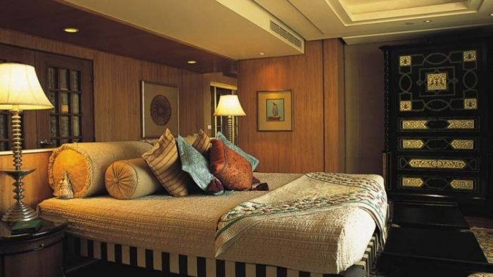 The Luxury Kohinoor Suite