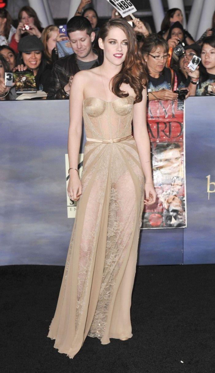 Kristen Stewart in nude gown