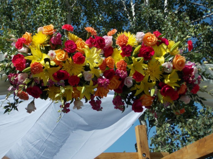 Everyone Makes Mistakes But If You Know The Most Common That People Make When Choosing Wedding Flowers Can Avoid Them