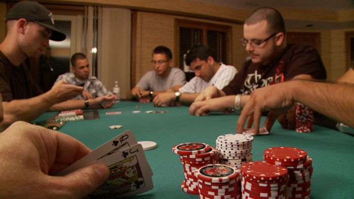 Poker?s Gaining Acceptance as a Family Game