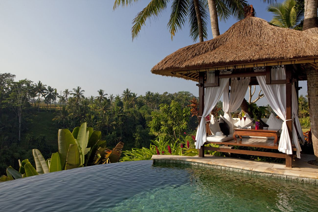 the well known infinity pool of Viceroy Bali