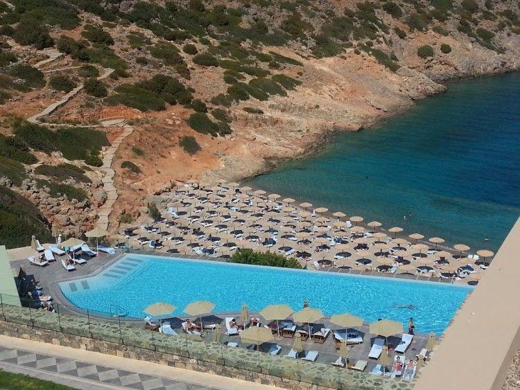 Pool/Sea View