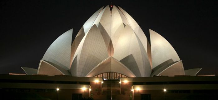 Bahai-lotus-temple-at-night-in-delhi