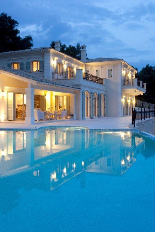 Luxury villas in Corfu