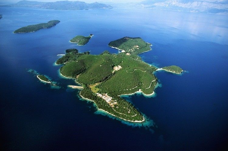 Russian Billionaire Buys Greek Island Where Jackie O Got Marrie