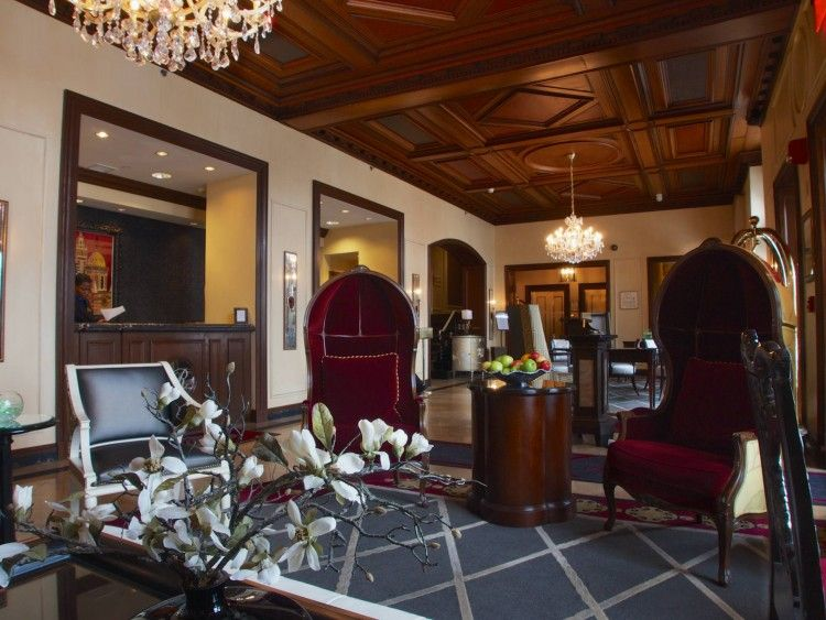lobby raphael hotel
