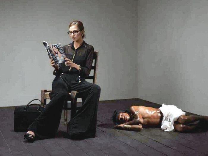 'Be My Slave' Shoot