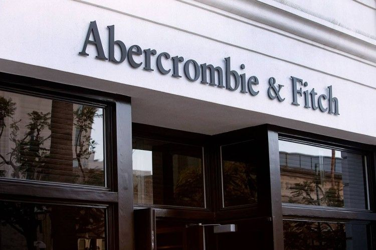 Abercrombie & Fitch Continues Nose Dive