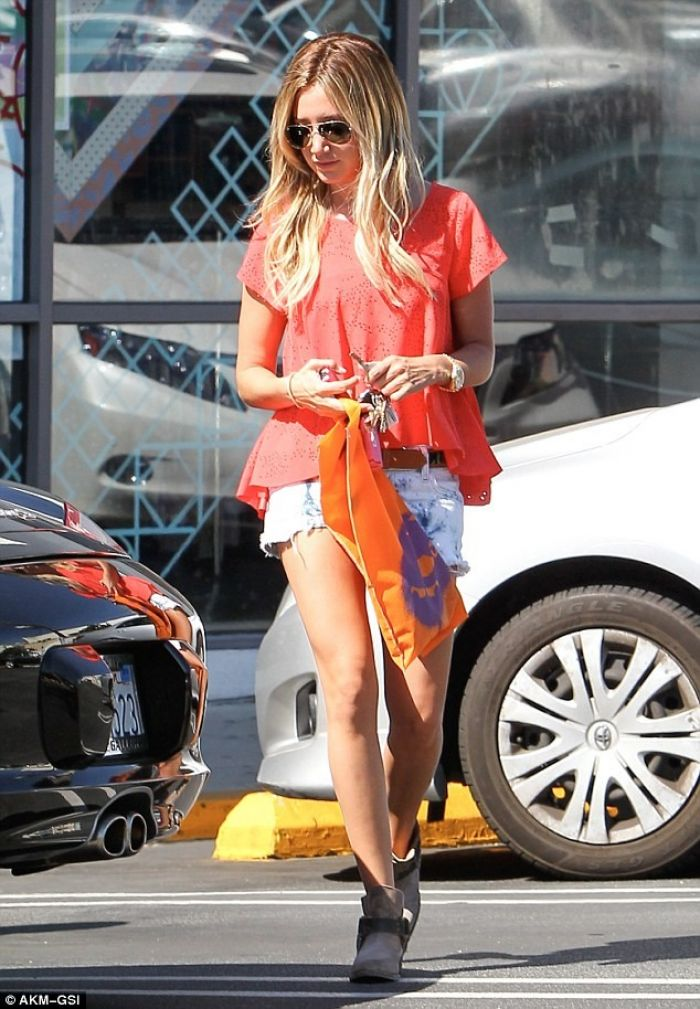 Tisdale's Casual Style