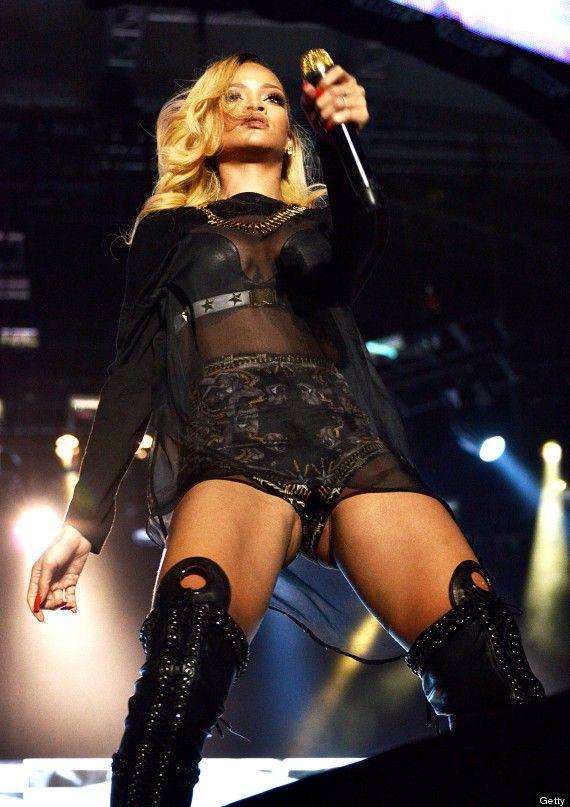 Rihanna's Istanbul Flash