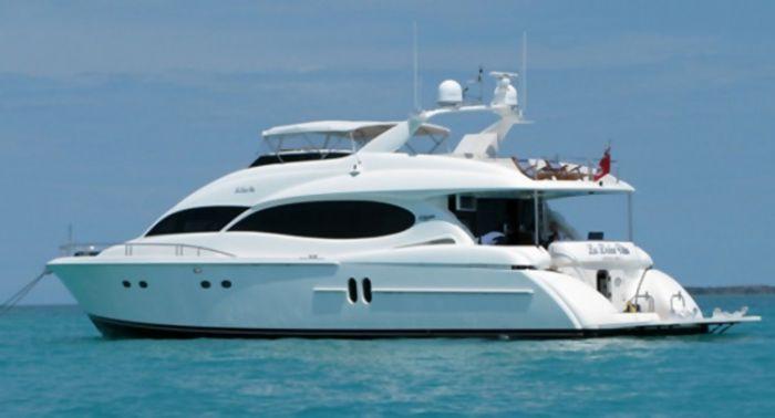 80ft Yacht Backside