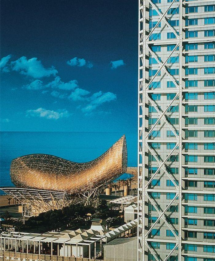 Peix Sculpture and Hotel Arts Barcelona